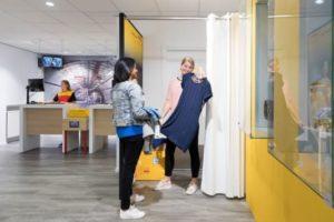 Postkantoor wordt pashokje: DHL lanceert nieuwe e-commerce service