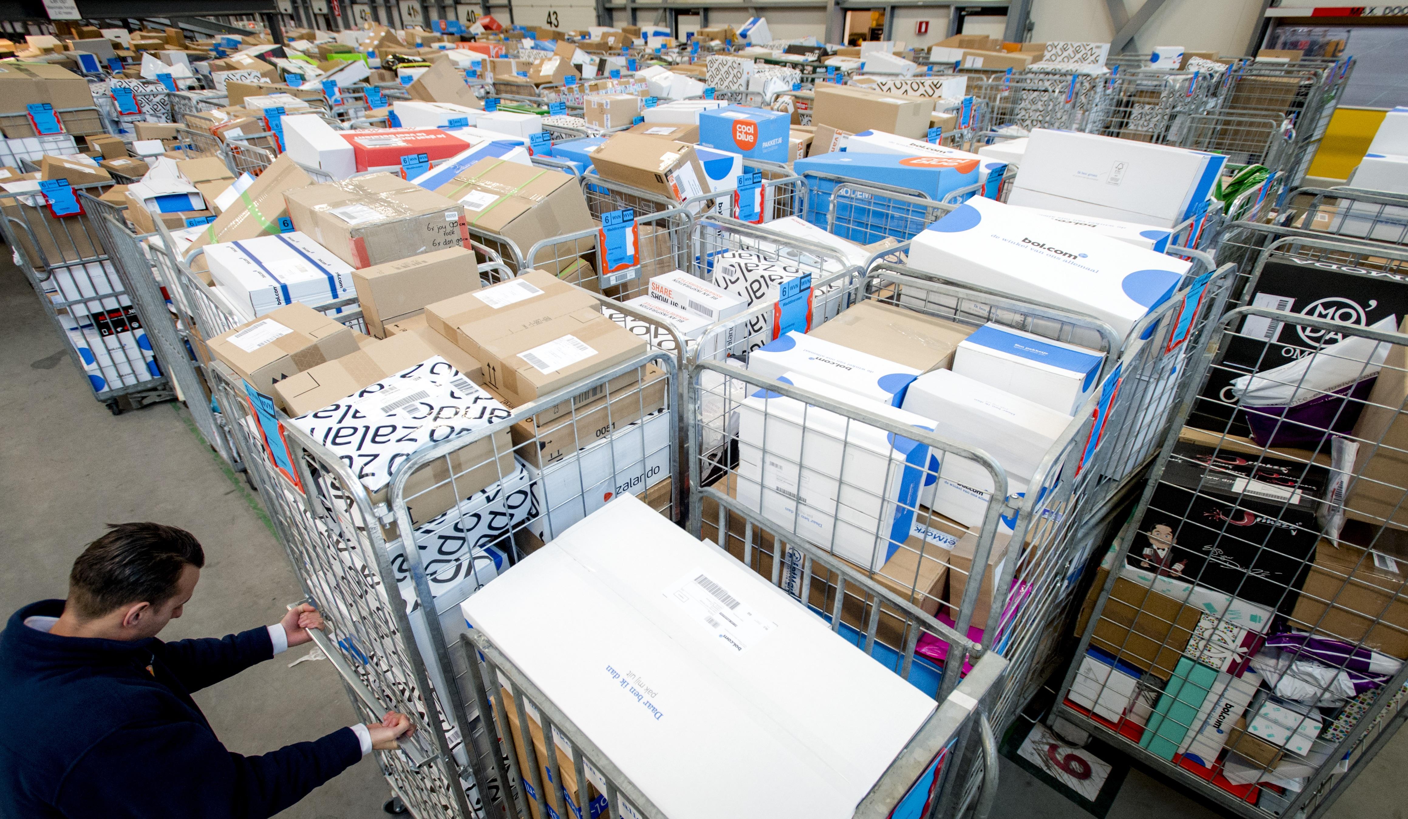 2ef04f1cf29b51 Black Friday zorgt voor tsunami aan pakketverzendingen - Logistiek