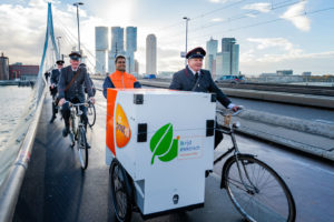 Elektrische bakfiets PostNL nu ook in Rotterdam