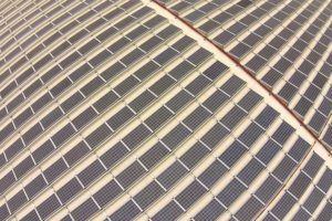 Dak van Rhenus dc Eindhoven krijgt 16.800 zonnepanelen