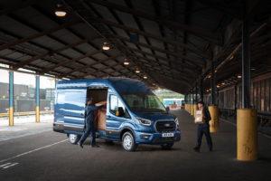 Opgeladen de stad in met plug-in hybride Ford Transit
