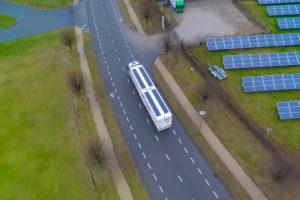 Nederlandse start up lanceert zonnepanelen op opleggers