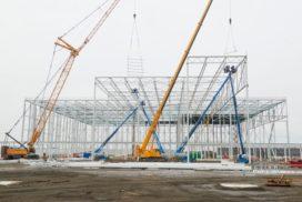 Nieuwbouw Plus distributiecentrum bereikt hoogste punt